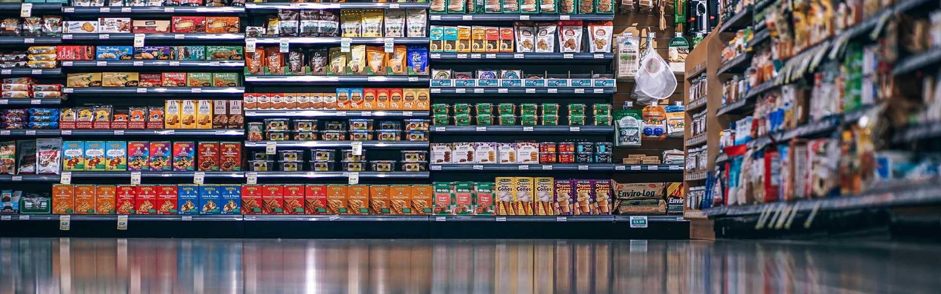 Lebensmittelgeschäft mit verschiedenen Produkten